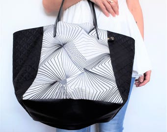 "Tote bag square ""PERSPECTIVE"" - jacquard and faux leather pyramid - 100% cotton lining - black and white"