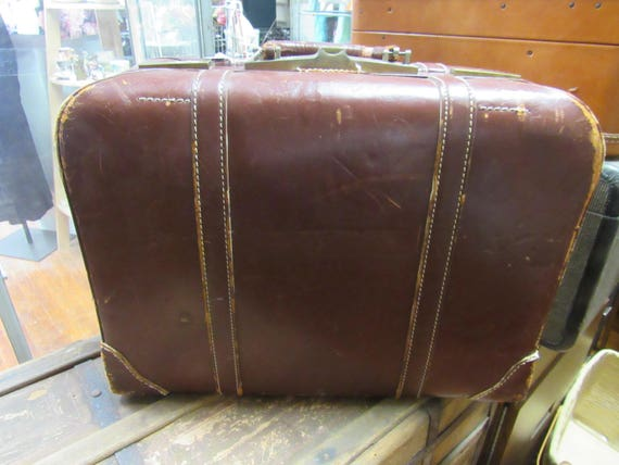 Leather suitcase or large briefcase