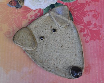 Dog spoon rest. Ceramic dog jewelry holder. Weimaraner plate. Labrador dog dish. Dog ring holder. White Lab spoon rest. Handmade  dog plate.
