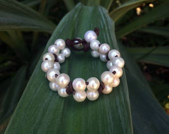 White freshwater pearls on leather - women bracelet