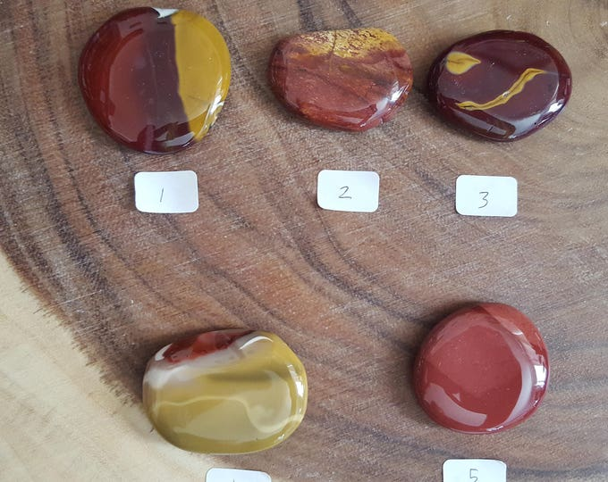 Medium Mookite Palm Stone in shades of red, Chakra Stone, Worry Stone, Fidget Stone~1 Reiki infused polished flat crystal, approx 1.75in