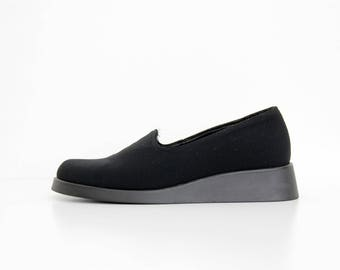 Vintage Shoes // Minimalist Canvas Black Slip On 90's Wedges