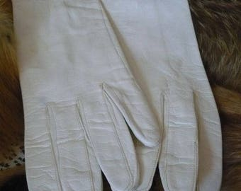 Kid leather white short gloves, size 7; Fownes, Made in Italy stamped on inside top of glove #23