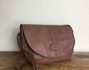 Large Faux Leather Bag // 90s brown purse // brown satchel bag / large vintage bag / boho handbag // 90s purse