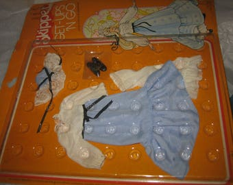 Vintage Barbie Skipper doll lacey charmer & partytimer blue dress on card 70's