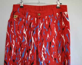 Vintage LOIS WOMEN'S high waist tapered jeans , fashion red jeans , size M/L...........(020)