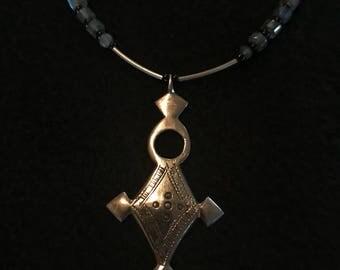 Tuareg pendant with labradorite