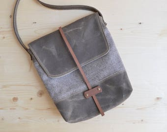 Waxed Canvas Purse / Crossbody Bag / Wool Purse