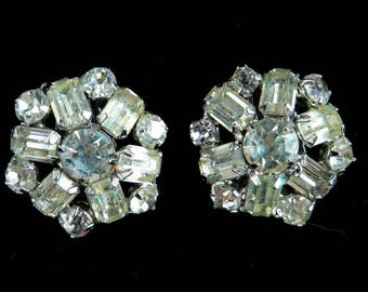Weiss Snowflake Earrings, Vintage Rhinestone Bridal Earrings, Signed Weiss Crystal Clip-on Earrings