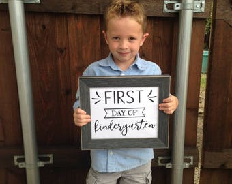 First Day of School PRINTABLE Signs. All grades. Back to school signs. First day of school sign for photo.