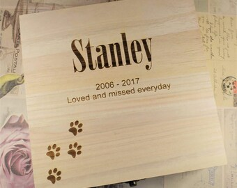 Personalised, Engraved Pet Remembrance box with Paws Design - Dog/Cat Memorial Box, Pet Remembrance Box - Available in Medium & Large