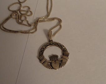 """Sterling Silver Vintage Claddagh Pendant on a 24"""" Box Link Chain"""