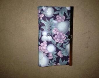 black pattern purse/wallet