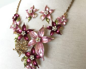 SALE Beautiful Flower Necklace and earrings set