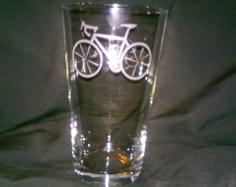 Bicycle beer Glasses,Cycling glasses,Etched pint glasses,birthday gifts,pub glass,personalized gift,biking glass,bar glass