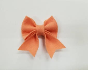 Peachy Bow