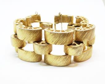 Vintage 1970s Eisenberg Brushed Gold Metal Thick Link Bracelet