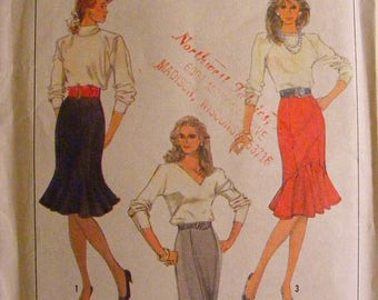 41% OFF Misses' Trumpet / Ruffle Skirt Uncut Simplicity Sewing Pattern 8306 Size 10 12 14