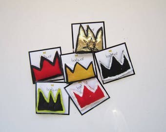 Valentine's day gift Basquiat crown brooch gift black yellow textile jewelry gift small pop art wearable  unisex gift birthday anniversary