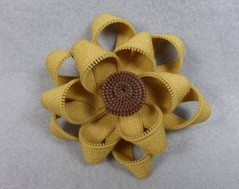Yellow SunFlower Brooch, Zipper Brooch, Sunflower Brooch, Pink Pin, Zipper Pin, Zipper Art, Flower Pin, Upcycled, Recycled, Repurposed
