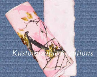 RTS pink camo carseat strap covers, pink camoflauge seatbelt strap covers, camo carseat strap covers, carseat strap covers, seatbelt