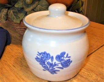 Pfaltzgraff Yorktowne Sugar Bowl with Lid, Pfaltzgraff Sugar Bowl with Lid, Vintage Pfaltzgraff Yorktowne Dishes, Vintage White Blue Pattern