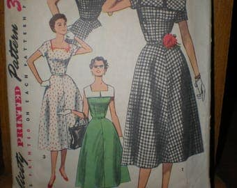 1954 Flared Skirt Big Collar Summer Dress Sewing Pattern by Simplicity #4650 Size 12 Bust 30 Sew a Marvelous Mrs Maisel Dress!