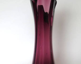 SWUNG AMETHYST VASE Hand Blown Art Glass Vintage Mid Century Smooth Pontil Bubbles Purple Ruffled Finished Bottom Pulled Pull