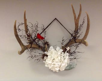 Decorative Antler Wall Hanging - Winter/Christmas