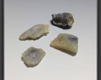 Tanzanite- rough/ 4 stones