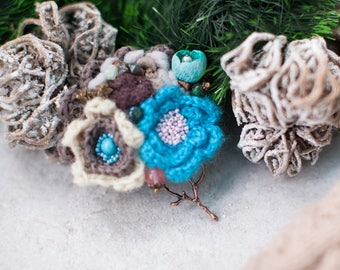 Unique brooch, wool brooch,  Beautiful handmade brooch, Mother of the bride flower,