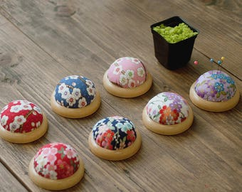 1 PCS,  Japanese Flowers Floral Pattern Pincushion Tailor's Cushion for DIY Craft Tool