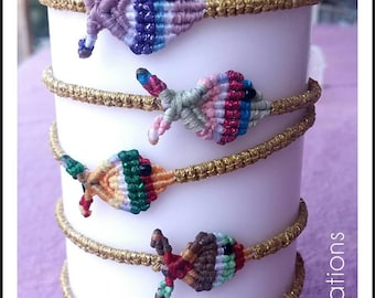 Macrame fish bracelet/Adjustable/with gold thread around and colourful inside/handmade bracelet/Μακραμέ βραχιόλι ψαράκι