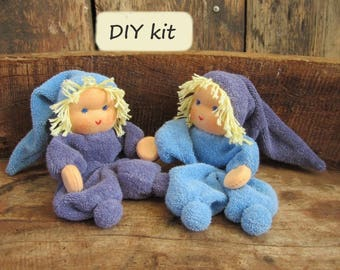 Do it yourself kit '2 Noesjes', for making 2 dolls with magnetic hands. Color: lavender - blue. Waldorf inspired.