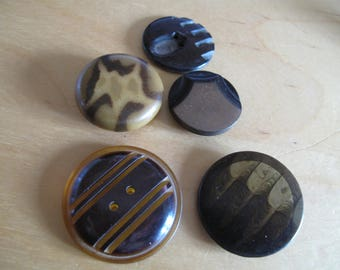 5 beige and brown coordinated buttons  1920's with grooved patterns    various  mm 4 are Bakelite and  1 is celluoid   190617/14