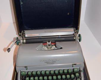Vintage 1950's Remington Letter-Riter Deluxe Tabulator Manual Typewriter - Works w/Case