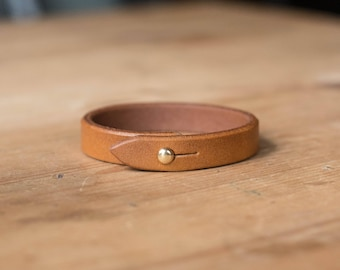 Basic Brown Vegetable-tanned Leather Bracelet