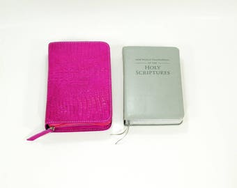 Standard Size NWT Bible Cover Jehovah's Witness New World Translation - Fuschia Pink leather with Crocodile texture