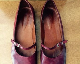 ON SALE Vintage brick red all leather Mary Janes