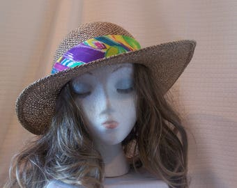 1990s Tan Straw Hat with a Colorful Band and Cloth Flower in the Back/Bosting Hat/Sunday Church Hat/Walk in the Park/Soho/Boho
