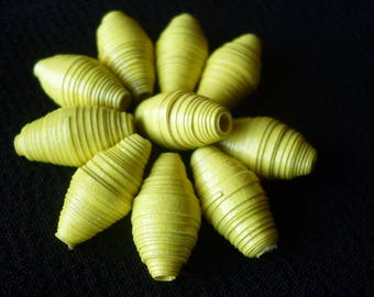 """""""Buttercup"""" set of 10 oval paper beads yellow, ideal for designing earrings"""