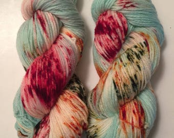 Hand Dyed Yarn worsted weight 100% superwash merino wool | 100 gr | Hawaiian Christmas | super soft | Free Shipping in US