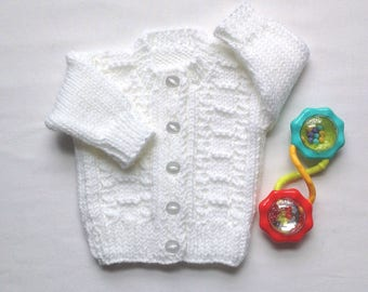 Newborn Baby sweater - 0 to 3 months - White baby sweater - Knit baby clothes - Baby  shower gift