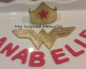 Wonder woman fondant cake topper set, fondant wonder women
