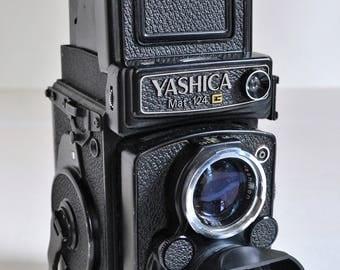 Yashica Mat 124G Camera with Yashinon 80mm f3.5 Lens and Hood