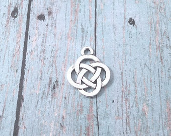 6 Celtic knot charms (2 sided) antique silver tone - celtic knot pendant, Irish charms, silver knot charms,  Gaelic charms, BX 125