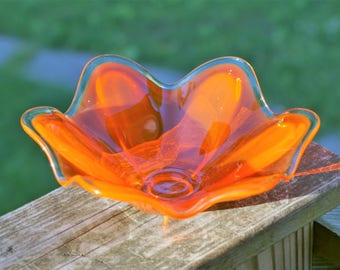 Lovely Vintage Sunburst Orange Floral Shaped Murano Art Glass Bowl