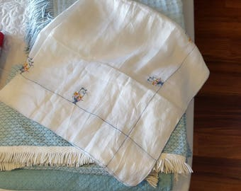 """Hand Embroidered Tissue Cotton Tablecloth 39""""x42"""""""