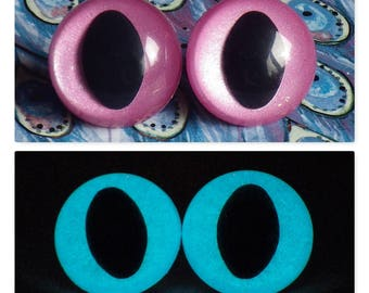 24mm Glow In The Dark Cat Eyes, Sparkly Pink Safety Eyes With Aqua Glow, 1 Pair of Plastic Safety Eyes