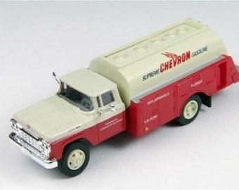 ClassicMetal Works HO 1960 Ford Tanker Truck - Chevron